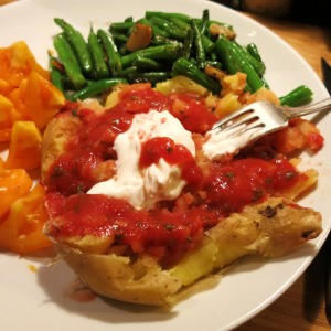 Baked Potato with Mexican Restaurant-Style Salsa and Sour Cream