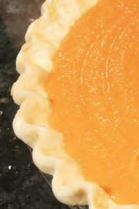 Crust with a High Edge for Spicy Pumpkin Pie
