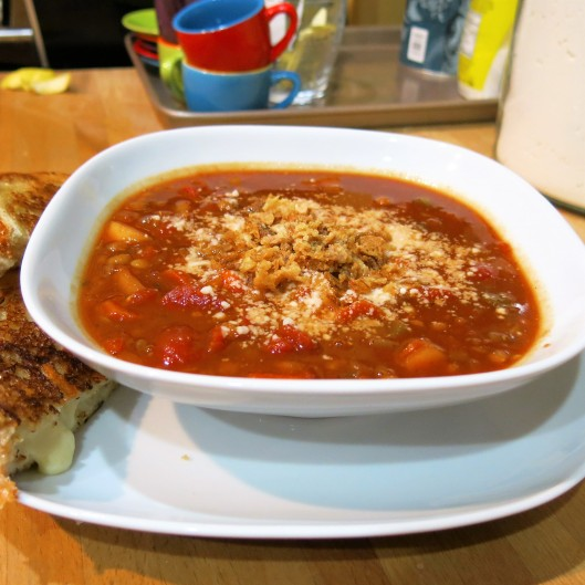 Tomato Soup with Lentils, Carrots & Apple