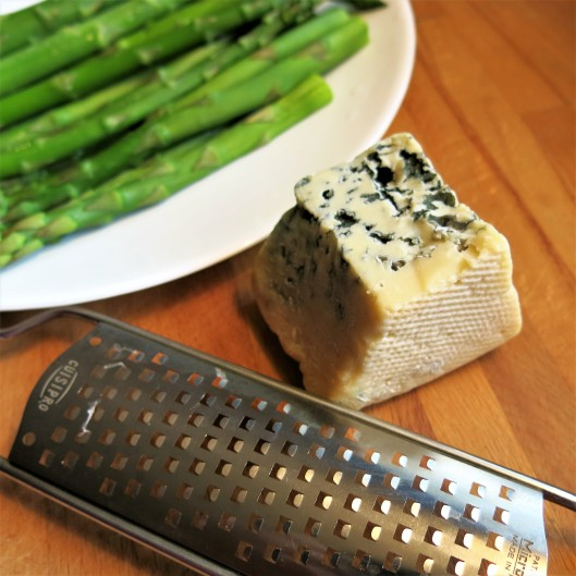 Bleu Cheese for Asparagus with Bleu Cheese