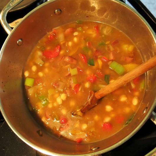 Mediterranean Bean, Sausage & Kale Souppa