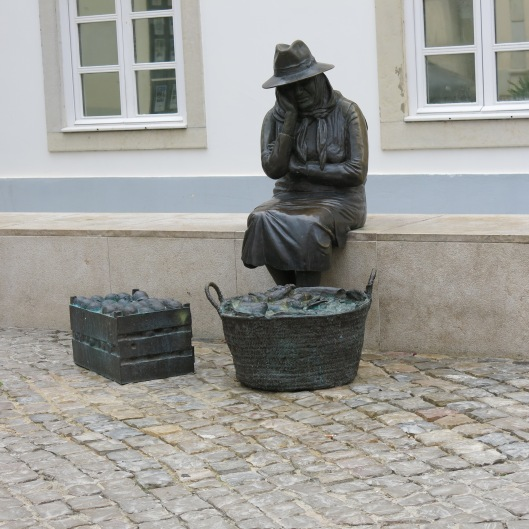 Statue at the Loulé Market
