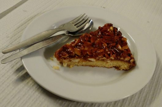Tarte de Amendoa - Restaurante Ramires - Guia