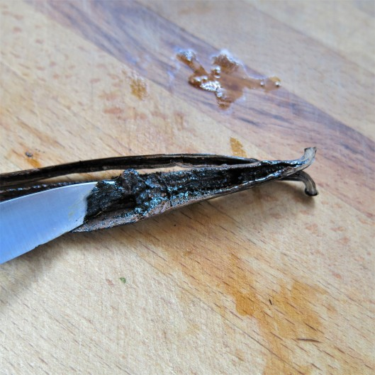 Removing the Seeds from a Vanilla Bean